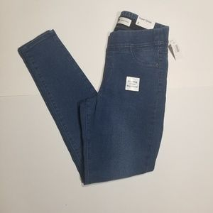 Old Navy super skinny pull-on jeggings.